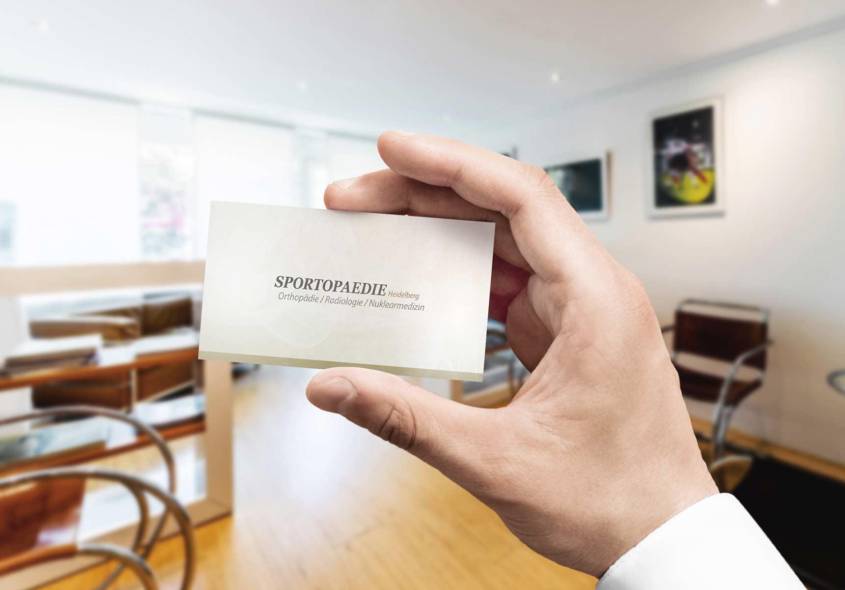 lr praxismarketing sportopaedie praxis visitenkarte arzt 6 - Langenstein & Reichenthaler - Agentur für Praxismarketing